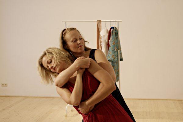 Tanz Bilder einer Frau Verein Zu.Einander.Tanzen Katharina Weinhuber und Suni Löschner