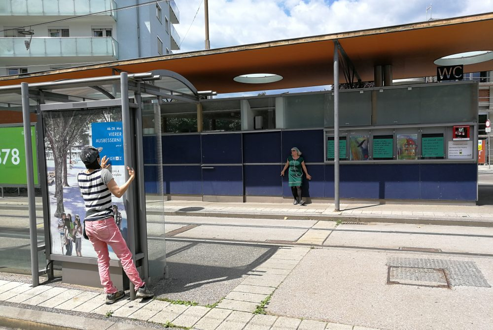 Workinglifebalance.ltd This city's loneliness Die Einsamkeit dieser Stadt La Strada Theater im Bahnhof Platz